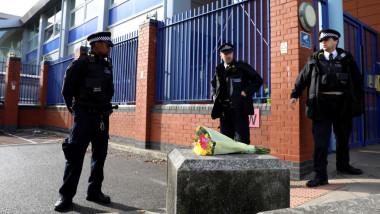 Polițist împușcat mortal de un un bărbat reținut, într-un centru de arest din Londra. Marele semn de întrebare al anchetatorilor