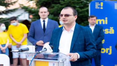 Candidatul PNL la Consiliul Județean Gorj, Iulian Popescu