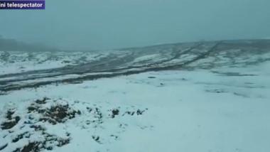 Cea mai înaltă șosea din țară a fost acoperită cu un strat consistent de zăpadă