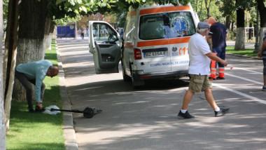 Un bărbat a murit după ce a fost lovit de o trotinetă electrică într-un parc din Buzău