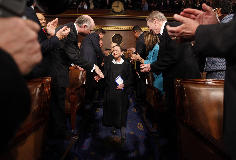 Moartea unei judecătoare - simbol din SUA. Nominalizarea pe care o va face Trump ar putea avea un impact până în România