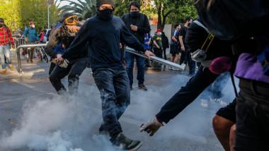Ciocniri între protestatari și forțele de ordine în Chile