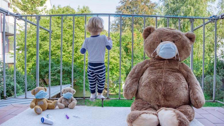copil in izolare