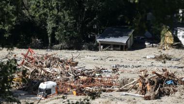 Inundațiile au distrus drumuri, poduri şi reţeaua de alimentare cu energie în sudul Franței.