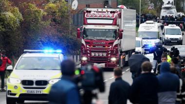 Un român îşi recunoaşte vinovăţia în cazul migranţilor vietnamezi morţi într-un camion în Anglia
