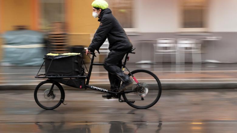 curier pe bicicleta in Viena