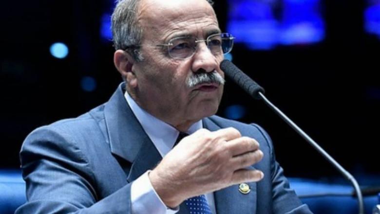 Senatorul Chico Rodrigues a fost prins cu bani ascunși în părțile intime