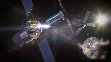 satelit spatial orbiteaza pamantul spatiu