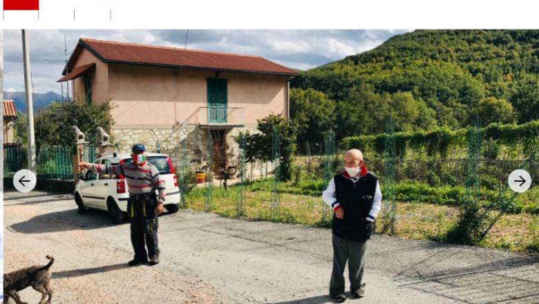 pensionari italieni cu masca