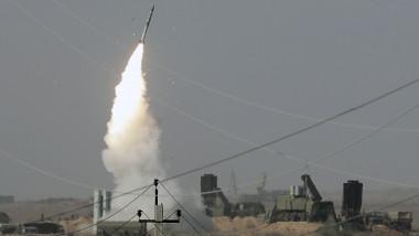 Lansare rachetă de către sistemul S-400