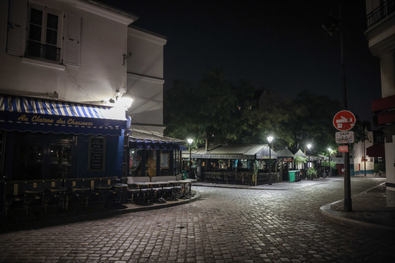 Parisul, prima seară după impunerea noilor restricții provocate de COVID-19