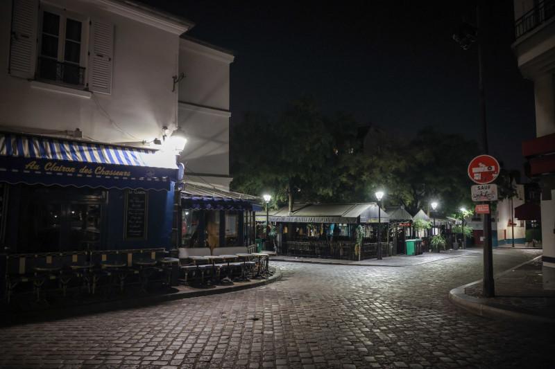 Parisul, prima seară după impunerea noilor restricţii provocate de COVID-19