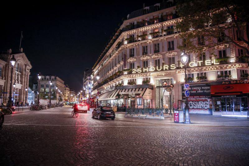 stradă în Paris, după impunerea restricţiilor de circulaţie