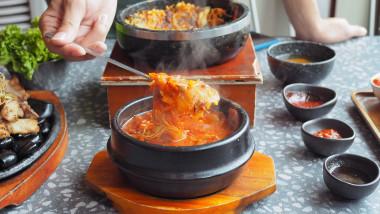 kimchi mancare traditionala sud-coreeana