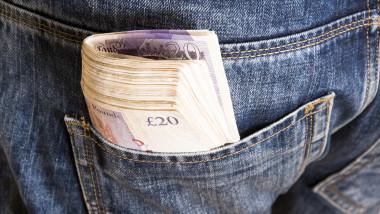 bani in buzunar lire sterline