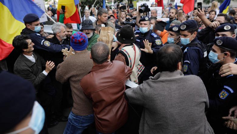 protest universitate - inquam - george calin 20201010161958__CL_4122