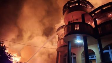 Incendiu Capitala Sursa ISU Bucuresti Ilfov 131020 (1)