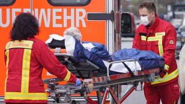 Ambulanță pacient coronavirus în Germania