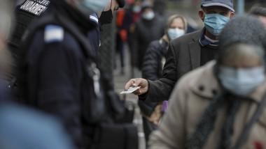 Medicul Adrian Marinescu a explicat că restricțiile de tip lockdown vin cu dezavantaje