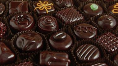 Vânzările de ciocolată elveţiană au scăzut cu 14,3% în primele opt luni din 2020