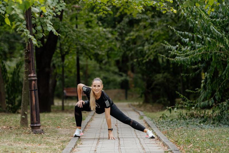 antrenoarea de fitness Anca Bucur