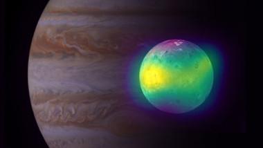 Imagine uluitoare a lui Io, satelitul lui Jupiter acoperit cu 400 de vulcani activi. Foto: almaobservatory.org