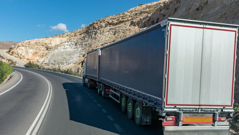 camion transportatori