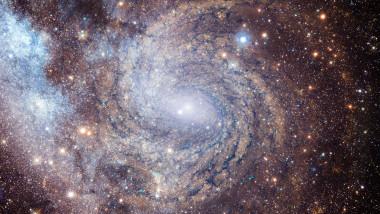 imaginea unei galaxii în spaţiu