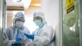 Unul dintre cei trei medici infectați care au dosar penal pentru că au fugit din spital spune că totul este o înscenare