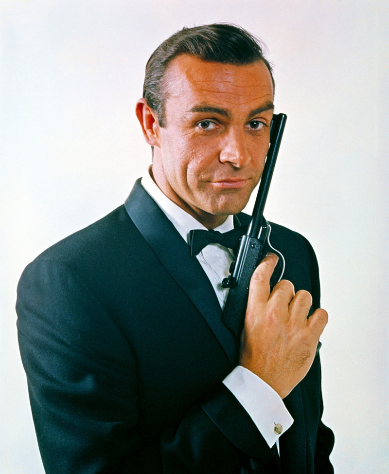 Sean Connery în rolul agentului 007 James Bond