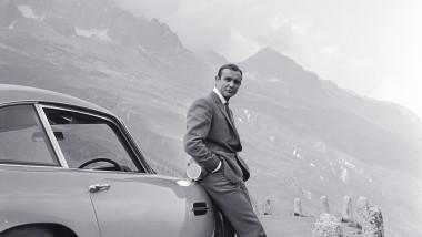 Sean Connery în rolul agentului 007, James Bond