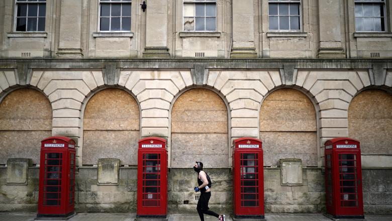 blackpool marea britanie lockdown carantina jogger