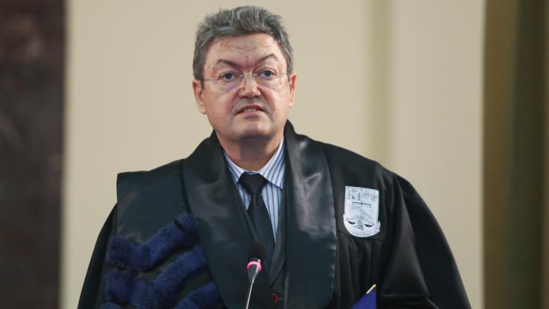 Profesorul doctor Marian Preda, rectorul Universității București