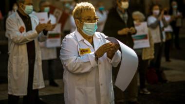 medici in lupta cu covid