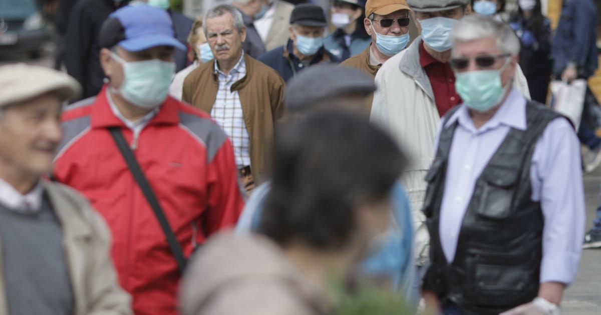 Decizie CMBSU: Masca rămâne obligatorie în apropierea școlilor și în spațiile aglomerate
