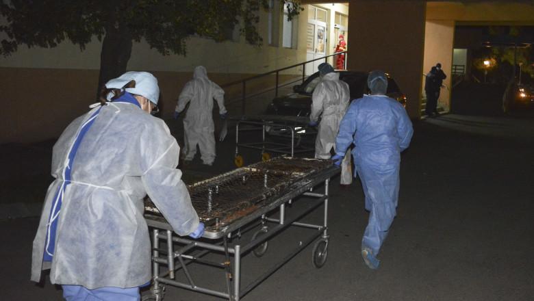Personal medical mută pacienți după incendiul din Spitalul Județean Piatra Neamt,