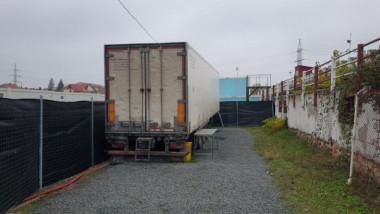 Morga nu mai are locuri și a fost închiriat un camion frigorific