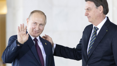 "VIDEO Jair Bolsonaro, flatat de complimentele lui Vladimir Putin despre ""masculinitatea"" sa."
