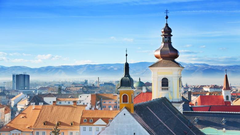 Sibiu, primul județ care a depășit rata de infectare 8