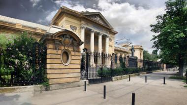 Absolvenții de medicină care au picat rezidențiatul cer să fie și ei admiși