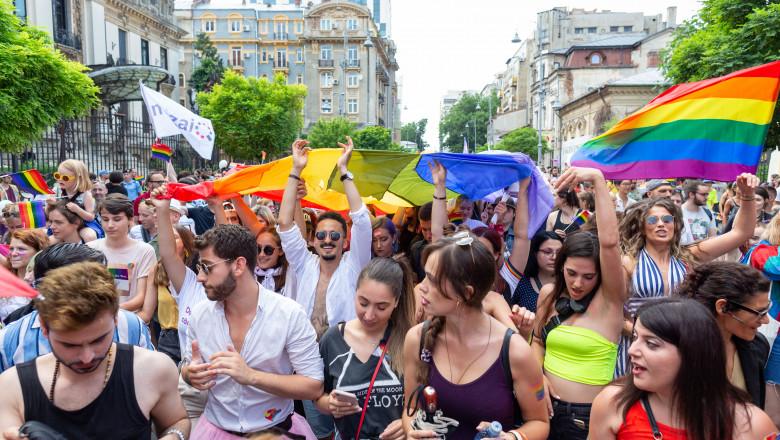 marş Bucharest Pride organizat de ACCEPT pentru drepturile minorităţilor sexuale LGBTQ