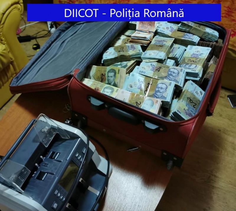 valiza cu bani si masina de numarat - diicot