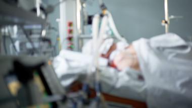pacient intubat