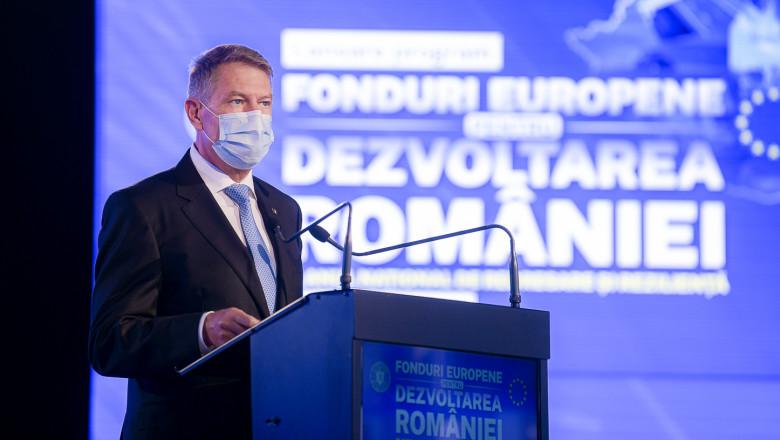 Președintele Klaus Iohannis rostește un discurs la evenimentul de lansare a Planului Național de Redresare și Reziliență