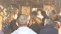 Arhiepiscopul Tomisului, ÎPS Teodosie,a fost surprins fără mască, vineri, în timp ce oficia o slujbă de înmormântareîntr-o biserică