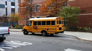 New York a găsit soluția pentru a deschide școlile. Din 7 decembrie, elevii se pot întoarce în bănci