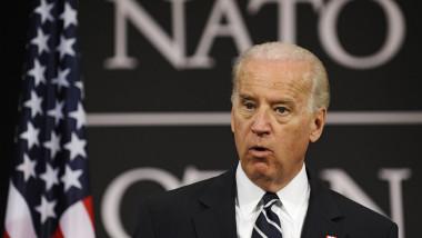 Joe Biden la o reuniune NATO din 2009