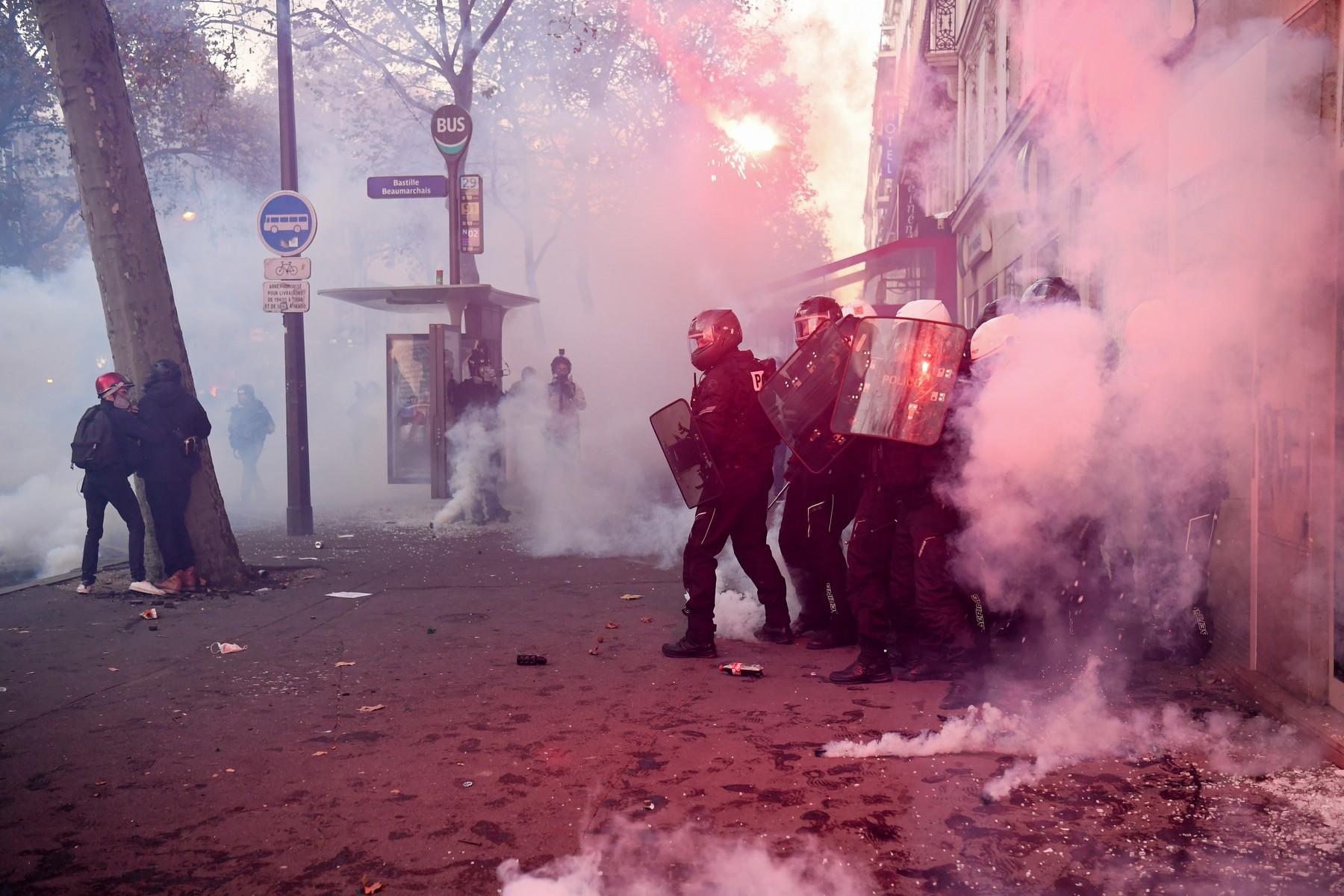 proteste franta paris profimedia-0571988922