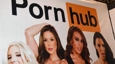 Panou site Pornhub la o gală a indsutriei de film pentru adulți din 2017