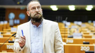 Europarlamentarul József Szájer a recunoscut că a participat la orgia sexuală din Bruxelles